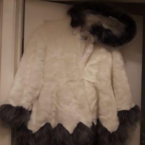 Faux Fur Coat w Hood